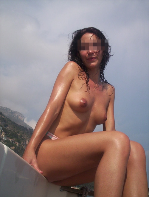 Alexia, brune chaude de Nîmes