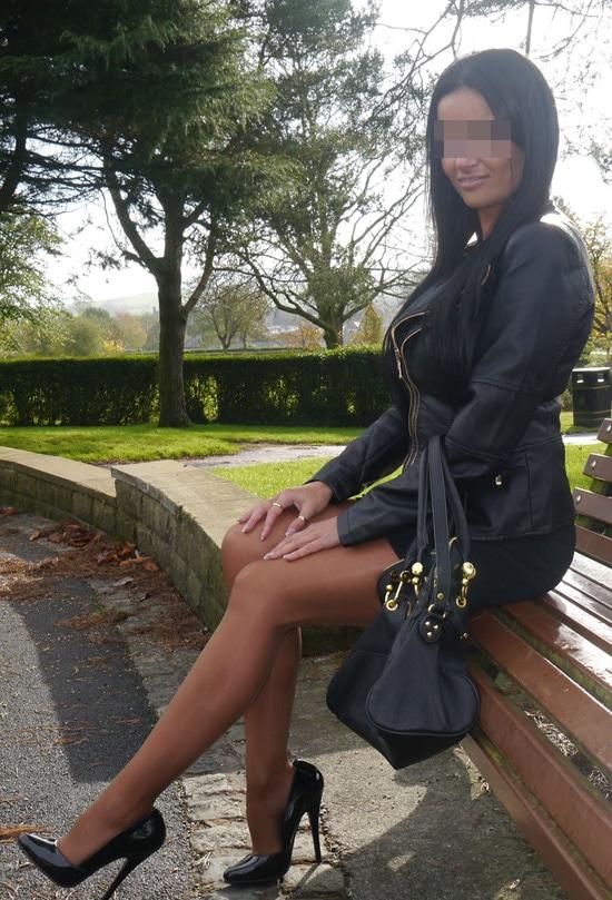 Caroline, brunette sexy d'Angers