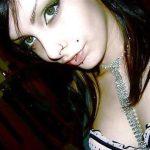 Caroline, libertine de 24 ans, de Bordeaux, veut se faire prendre sauvagement