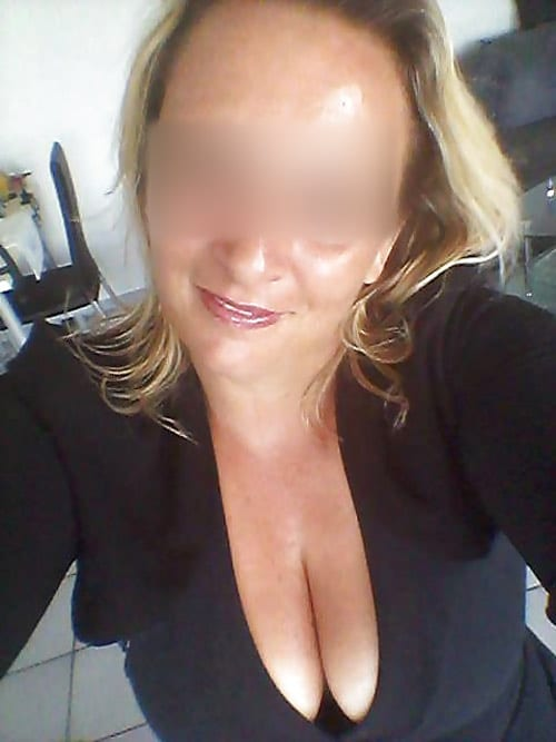 caroline-mature-blonde-tournai