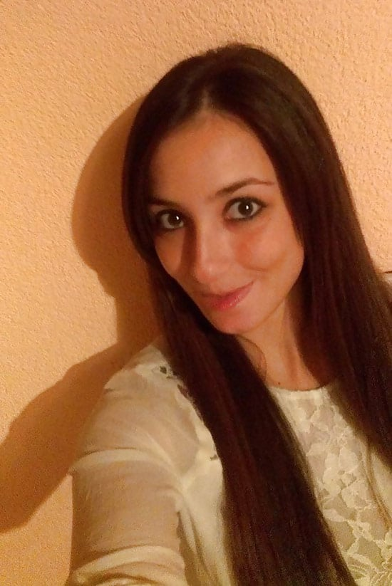 Eva, beauté brune de Perpignan