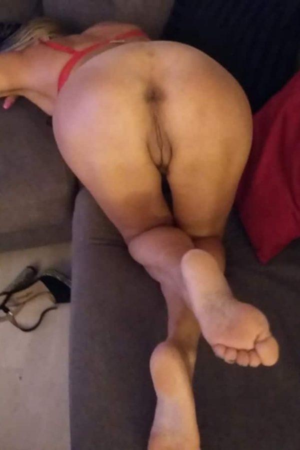 Françoise, mature sensuelle fétichiste des pieds Tours