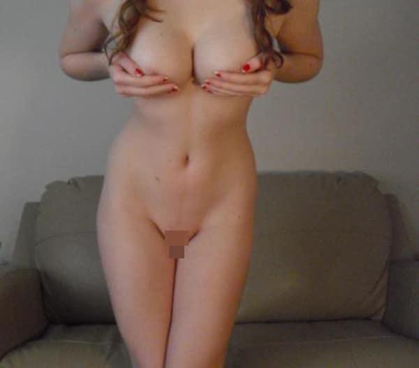 Iris, jolie femme aux beaux seins du Havre