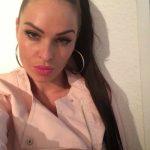 Karima, algérienne sexy d'Orléans, cherche black bien monté