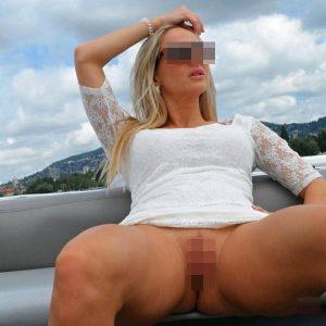 Maeva, bourgeoise blonde en manque de sexe