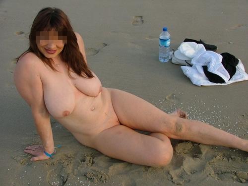 Priscille Mature rousse à gros seins